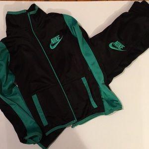 Nike tracksuit size 6
